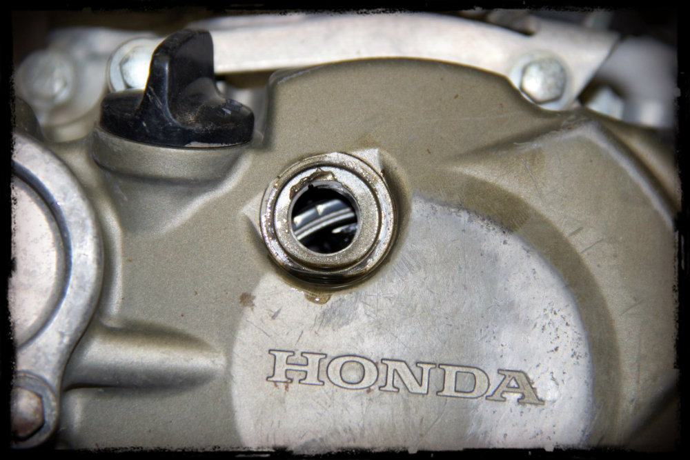 Easy Way To Adjust Dirt Bike Valve Shims On A Crf Kx Yz Rm Z And More on honda engine timing